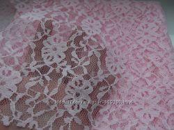 продам отрез розового кружева. 70х68 см