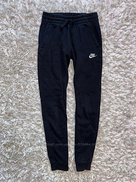 Джоггеры, спортивные штаны Nike, оригинал, указано 10-12 лет