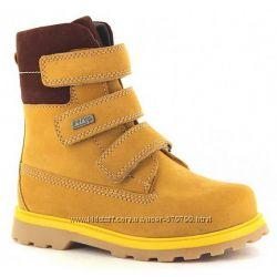 Высокие ботинки с натуральным мехом на мальчики Bartek 54057-43J