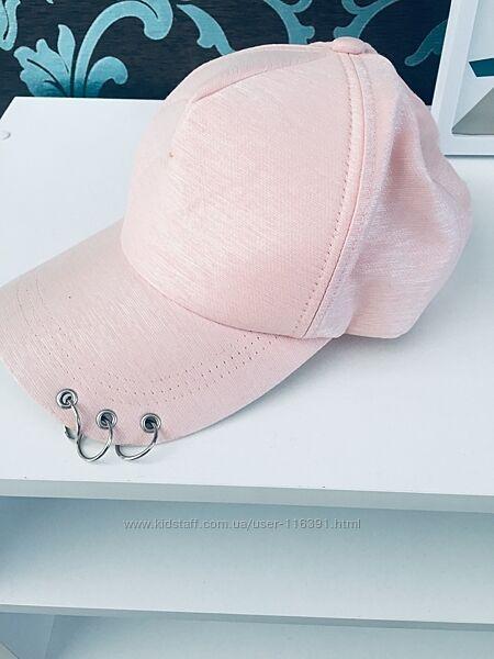 Стильные кепки на лето