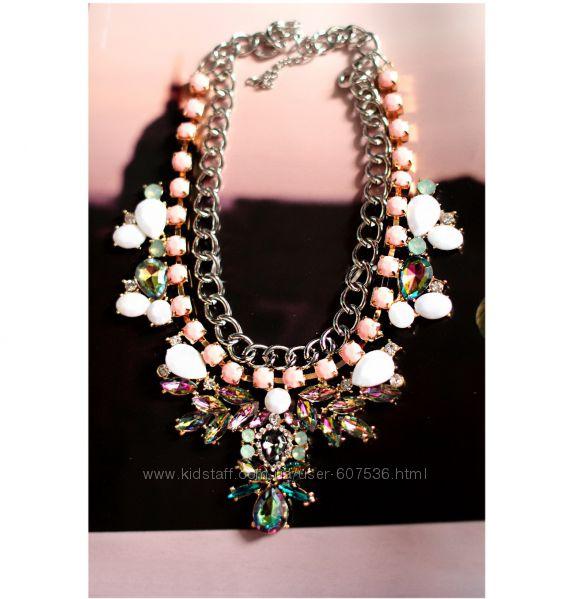 массивное колье ожерелье украшение с камнями разноцветными