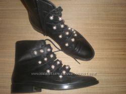 40 - 26. 5 см  фирменные  кожаные  ботинки Zara