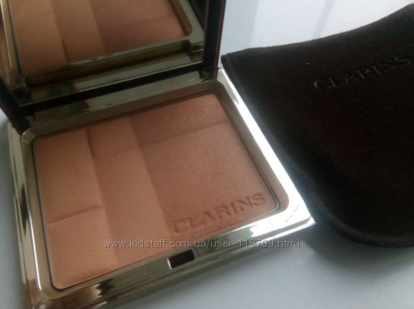 Clarins 2-цветная компактная минеральная пудра 01 Light без пары проб