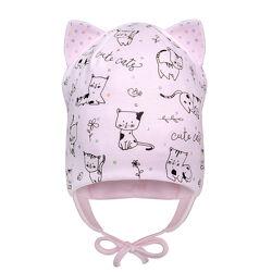 Демисезонная двухслойная шапка с ушками на завязках для девочки 42-46