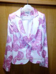 Пиджак и юбка костюм 42 для тех у кого в душе всегда весна