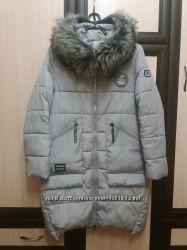 Зимняя куртка с опушкой, серая, L.