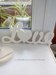 Декор в виде надписи love искусственный камень