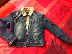 Женская джинсовая куртка.