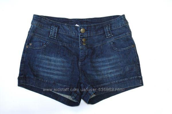 Разные  джинсовые  шорты