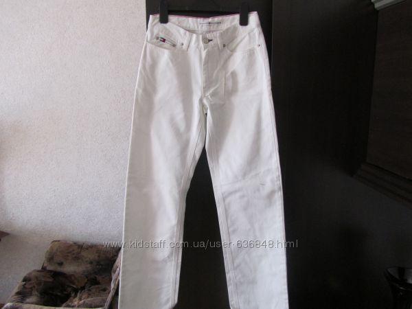 Джинсы, брюки TOMMY HILFIGER маленького размера