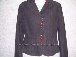 Фирменные   пиджаки,     р . 38, 40 евр.
