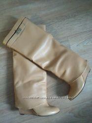 Продам сапоги натуральная кожа Givenchy р. 35
