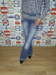 Продам новые джинсы Зара Испания заклепки размер ХС