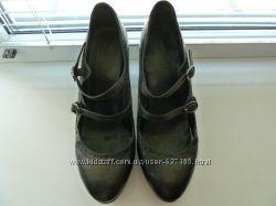 Туфли женские кожаные раз. 38