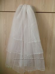 Красивая фата свадебная трёх ярусная белого цвета с бисером и пайетк