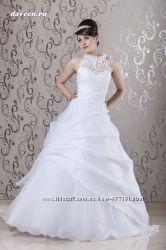 Дизайнерское свадебное платье и большая коллеция платьев на заказ