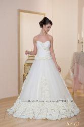 Роскошная новая коллекция свадебных платьев от производителя