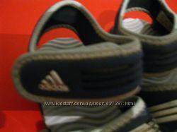 оригінальні босоніжки Adidas