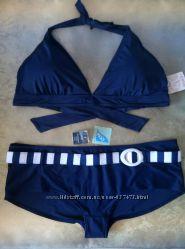 темно-синий купальник, чашка D, плавки 48eur