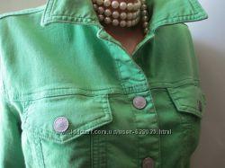 Куртка BENETTON p. М. джинсовая цвет капусты.