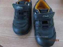 Легкие и модные кроссовки