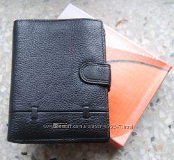 Мужской кожаный портмоне с отделом для паспорта ЕК86