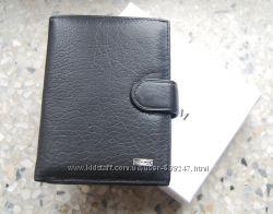 Мужской кожаный портмоне с отделом для паспорта ЕК87