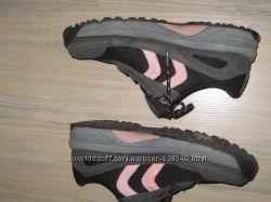 Женские  набуковые кроссовки Crane    р 39 25см