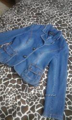 Красивый джинсовый пиджак