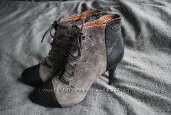 Осенние ботинки ботильоны на небольшом каблуке зара Zara ботильены