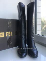 Фирменные демисезонные кожаные сапоги Fellini
