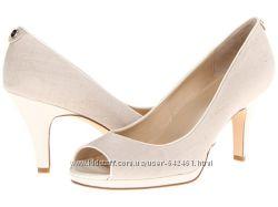 Туфли от Calvin Klein состояние новых р. 38. 5