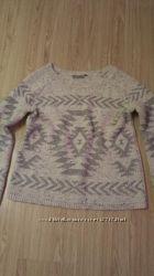 Теплый свитер с красивым узором