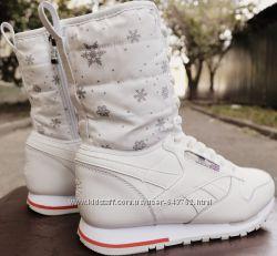 Белые женские спортивные сапожки Reebok