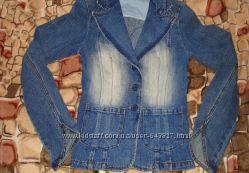 новый Джинсовый пиджак terranova