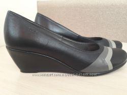 Очень красивые женские туфли 41-42 размера