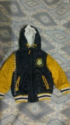 Отличная демижсезонная курточка Gloria Jeans на мальчика 104 рост