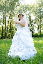 Изысканное и романтичное свадебное платье для королевы, не венчанное
