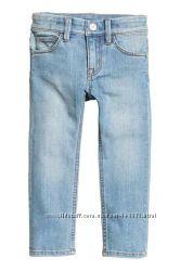 Джинсы-слим на мальчика от H&M, р. 4-5  лет