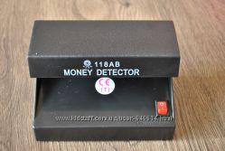 Детектор валют работает от батареек