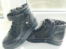 Качественные ботиночки  26р стелька 16см Мальвина
