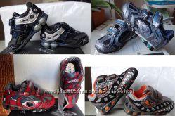 Новые фирменные кроссовки Geox с мигалками 21, 22 р. , 13, 5 и 14 см разные