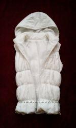 Белая жилетка