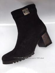 ботинки классические на каблуке