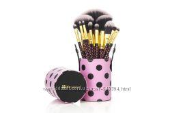 BHсosmetics  11 pcs Pink-A-Dot Brush Set.