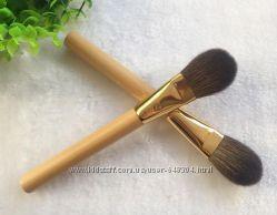 Tarte кисть для румян с бамбуковой ручкой