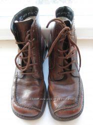 Фирменные зимние кожаные ботинки RIEKER р. 37. состояние отличное