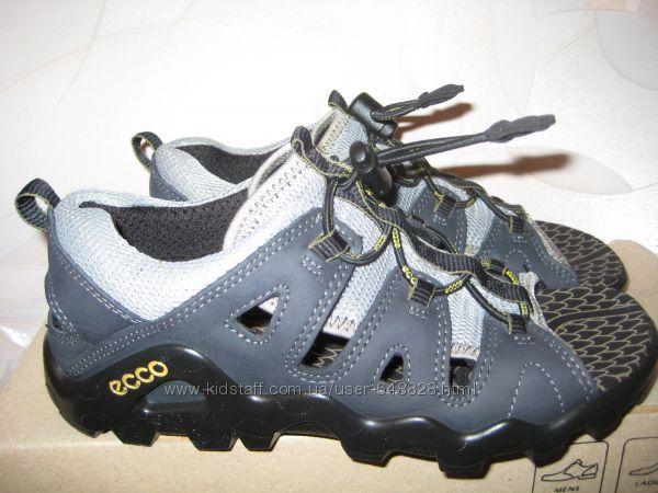 Новые кожаные босоножки Ecco 34р. 22. 5 см.