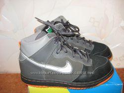 Фирменные полуботинки Nike, р. 34, состояние отличное