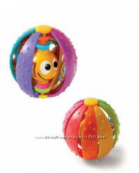 Погремушка Радужный мяч отTinylove